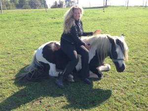 Chantal auf Ihrem Lieblingspferd